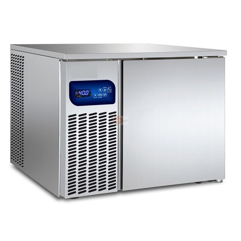 Abbattitore di temperatura capacita 39 3 teglie gn 1 1 o 2 for Temperatura abbattitore